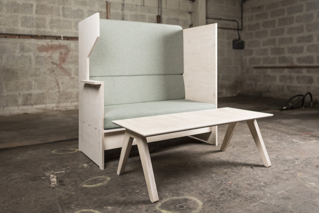 Eagle house pop up furniture factory kwmc for Pop furniture bewertung